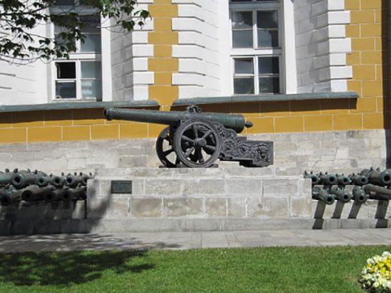 توپهای ناپلئون و کاخ آرسنال