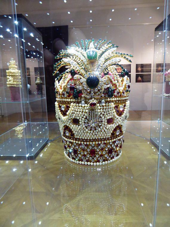 آشنایی با موزه ی جواهرات ملی ایران در تهران