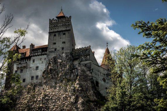 سفری به قلعه ی ترسناک دراکولا + عکس